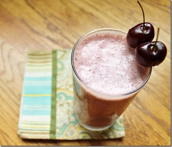 Beste Cherry vanilla almond smoothie - the smoothie version of Cherry KG-24
