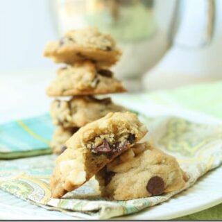 Macadamia Chocolate Chip Cookies