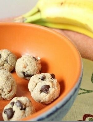Cashew Banana Chocolate Chip Bites
