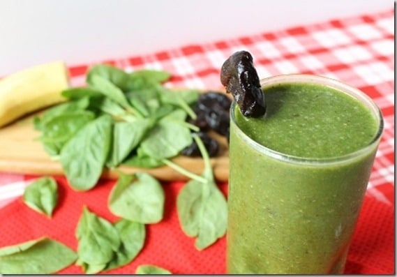 Spinach prune smoohie