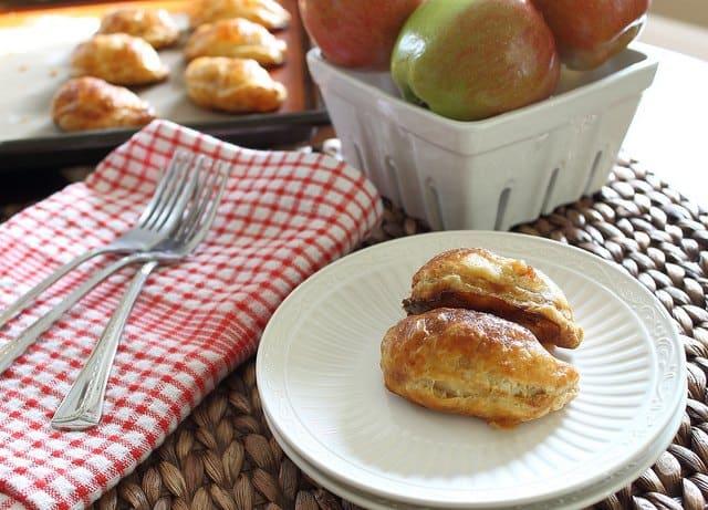 Cinnamon apple hand pies