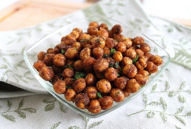 Spicy cinnamon roasted chickpeas