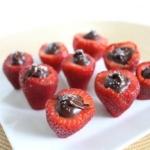 Foodie penpals and sea salt chocolate stuffed strawberries
