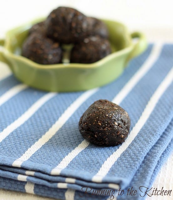 These no bake brownie fudge balls are a healthy fudge-like brownie bite, high in protein and just 80 calories each, they're a perfect little chocolate treat!
