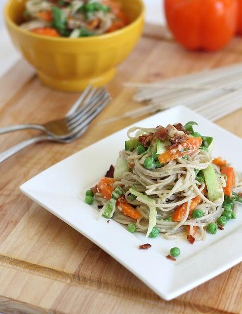 Carbonara with soba noodles and vegetables