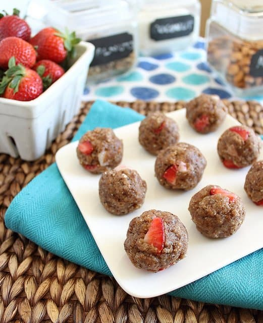 Strawberry vanilla cookies