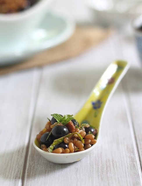 Wheatberry currant salad