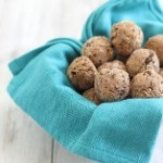 chocolate coconut protein balls 1 (157x205)
