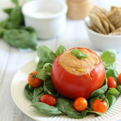 Roasted tomato cashew hummus