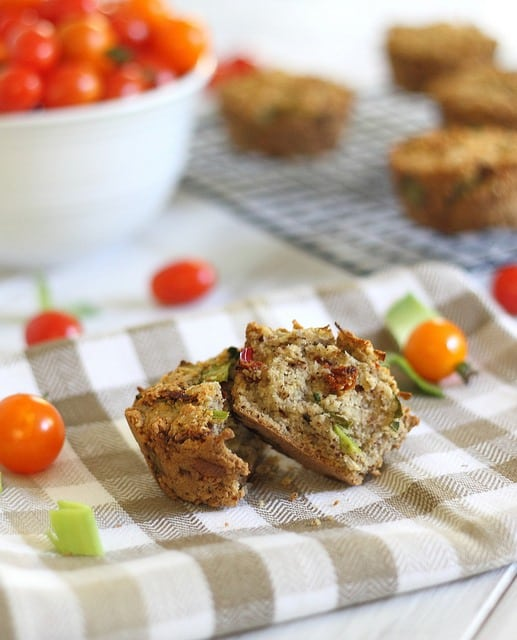 Sun dried tomato muffins with leeks
