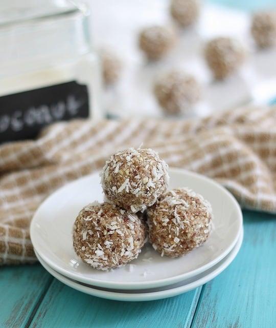 Coconut nut bites