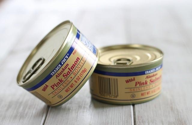 Crispy salmon bites appetizer