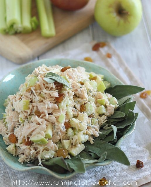 Honey chicken salad with apples and sage
