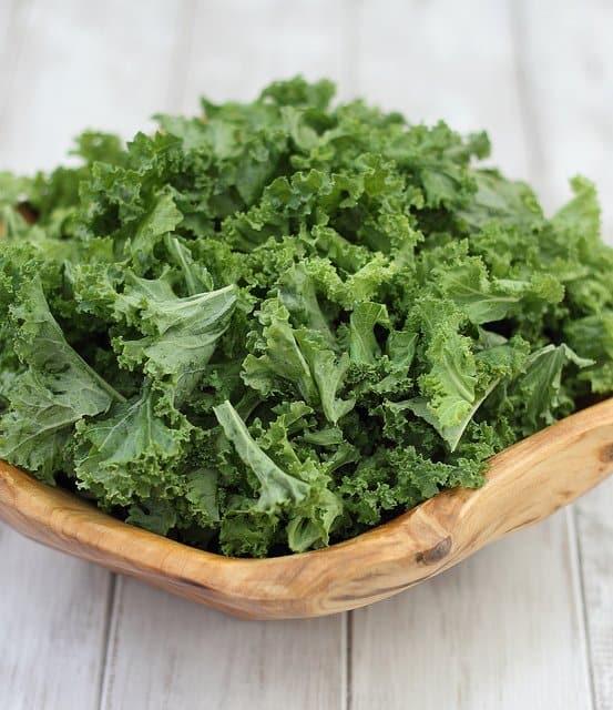 Coconut kale chips