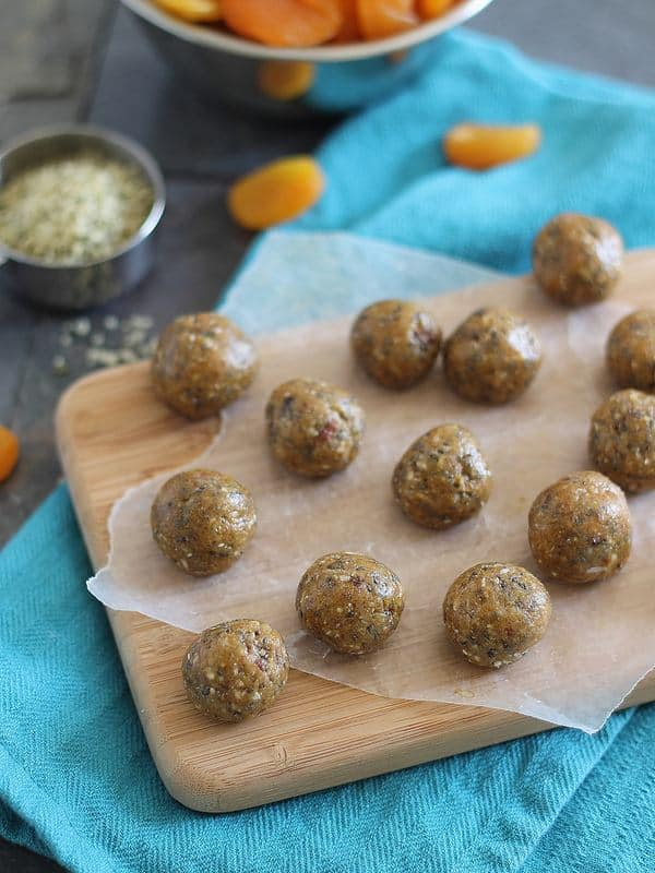 Almond butter snack bites with dried apricot