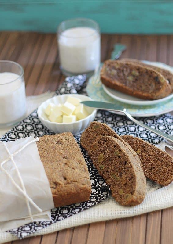 Healthy cinnamon raisin bread
