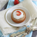 Individual vanilla cakes with strawberries & cream