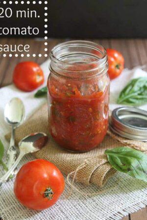 20 Minute Tomato Sauce | runningtothekitchen.com