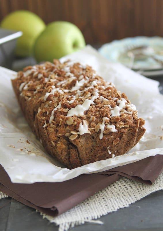 Apple Streusel Bread | runningtothekitchen.com