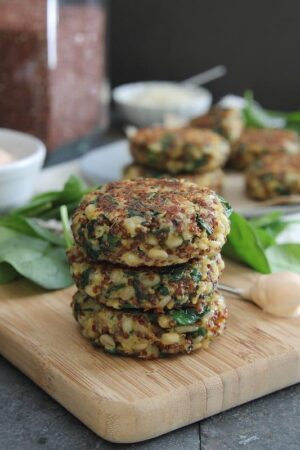 Spinach and Cheddar Quinoa Barley Cakes with Creamy Buffalo Dip