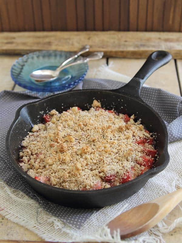 This paleo strawberry ginger crisp is a super simple, healthy and delicious dessert that can be made in no time. The flavors are unique and impressive.