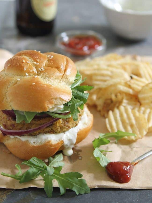 Spicy bacon chickpea burgers