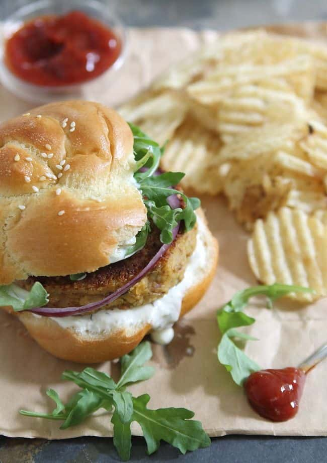 Spicy chickpea burgers with bacon