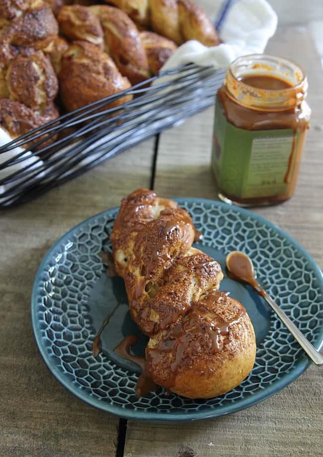 Apple Cinnamon Pretzel Twists - Running to the Kitchen