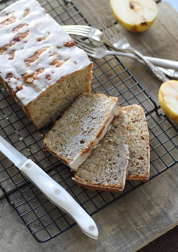 Granola pear bread with cinnamon icing