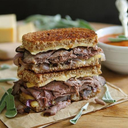 Roasted-beef-smoked-gouda-grilled-cheese-450x450