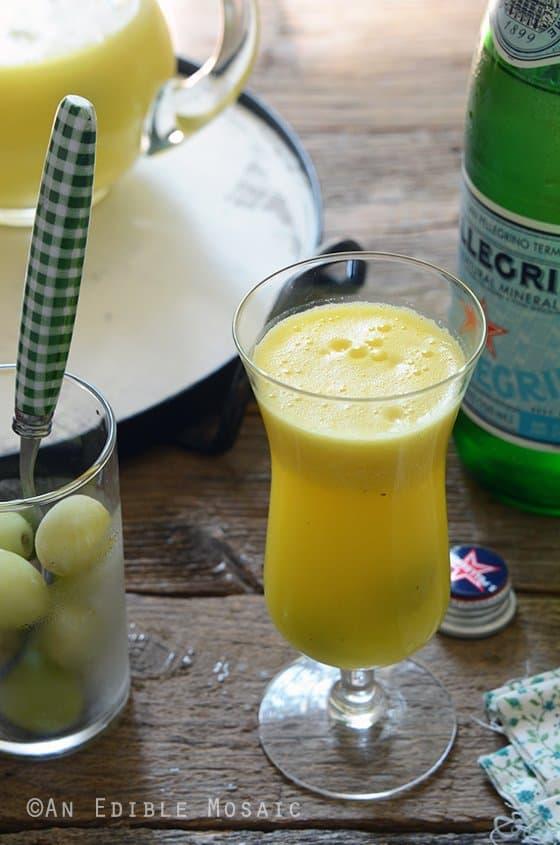 """Sparkling-Citrus-Pineapple-Ginger-""""Sangria""""-Mocktail"""