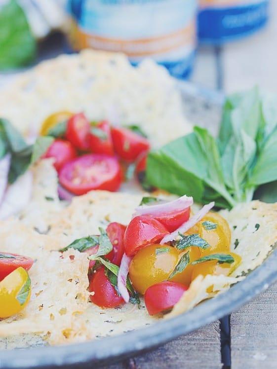 Cheddar tomato basil salad cups
