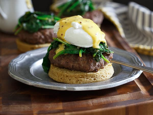 Burger Eggs Benedict