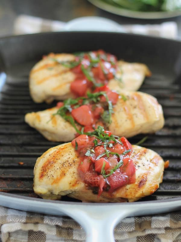 Grilled chicken with strawberry basil sauce