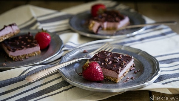 No Bake Strawberry Cream Bars 1
