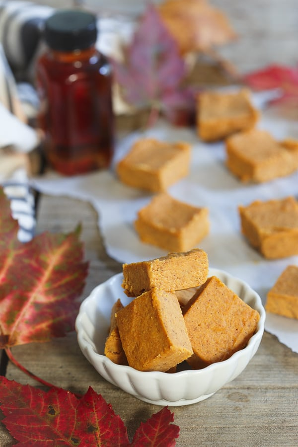Paleo pumpkin pie fudge