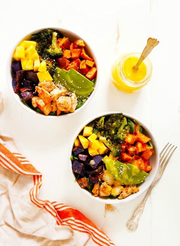 Chicken-Buddha-Bowl-with-Spicy-Mango-Sauce