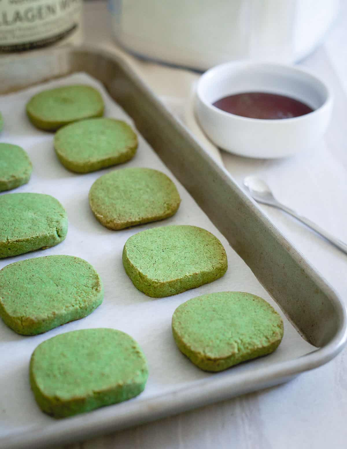 These matcha shortbread cookies are buttery, crisp and even gluten-free!