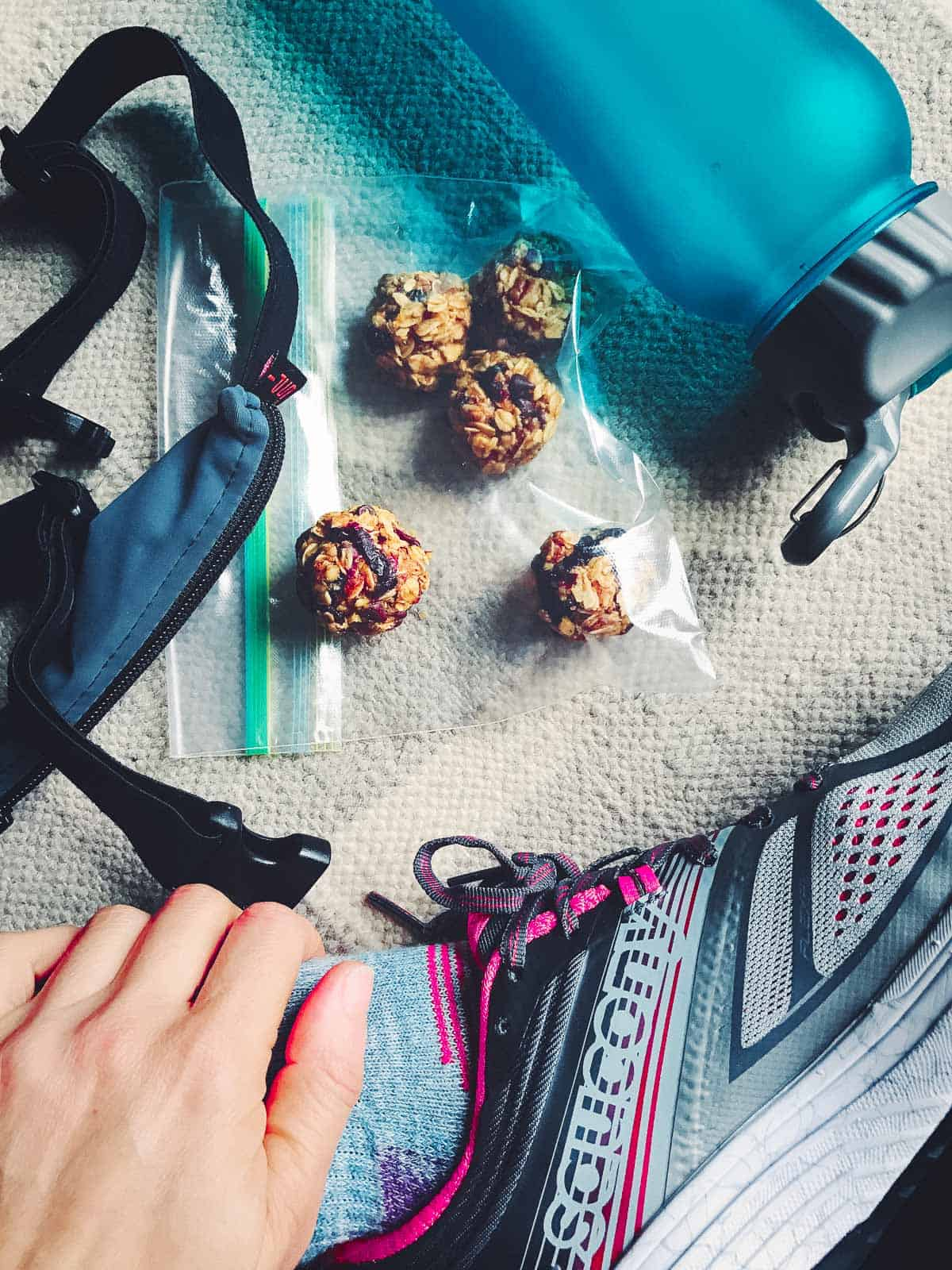 No bake oatmeal cookie bites filled with cranberries and orange are great to fuel up with before your long run or workout.