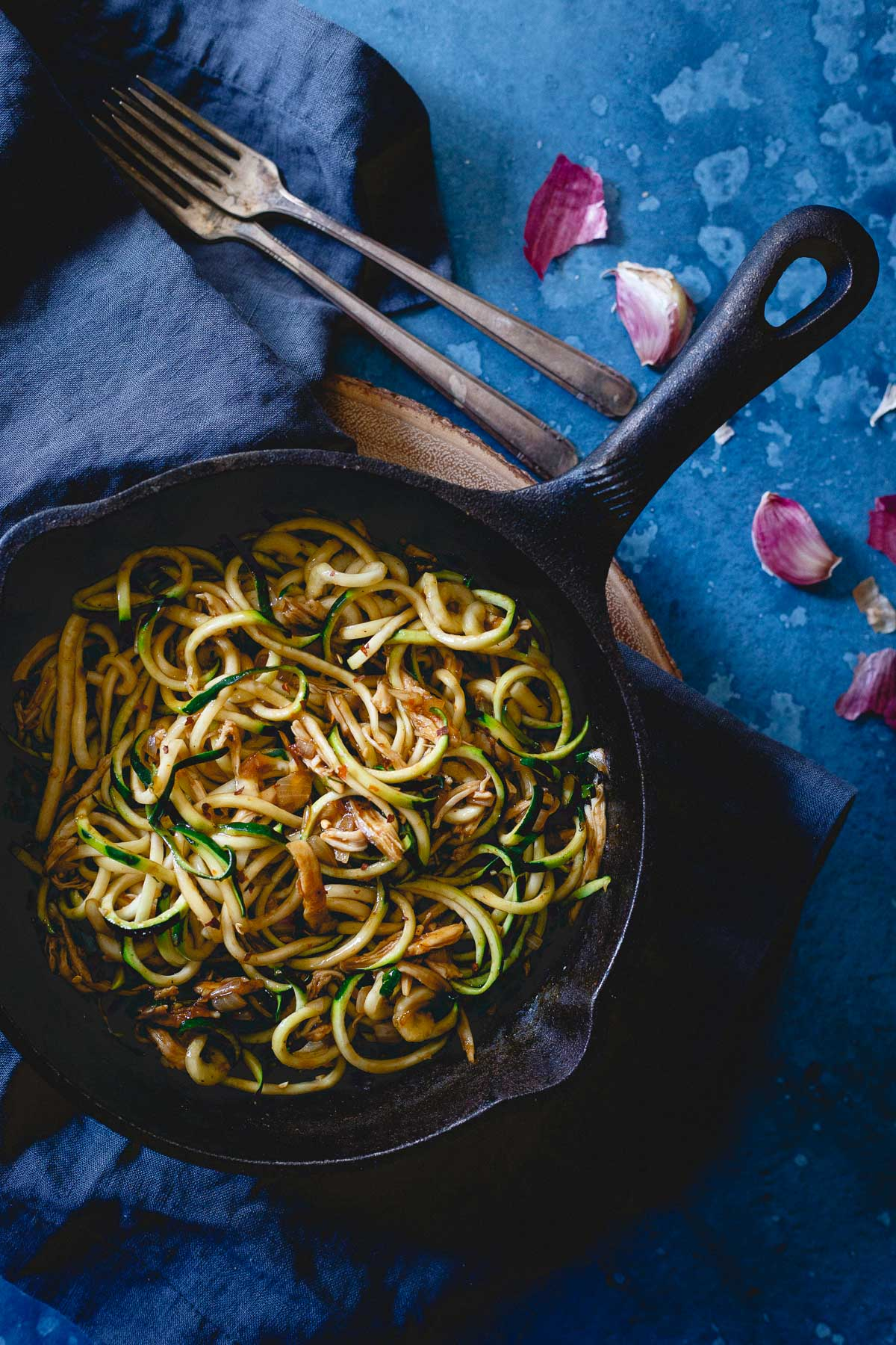 These Chinese chicken zoodles are a quick and easy 15 minute meal. Packed with flavors from your favorite takeout dish but way healthier for you!