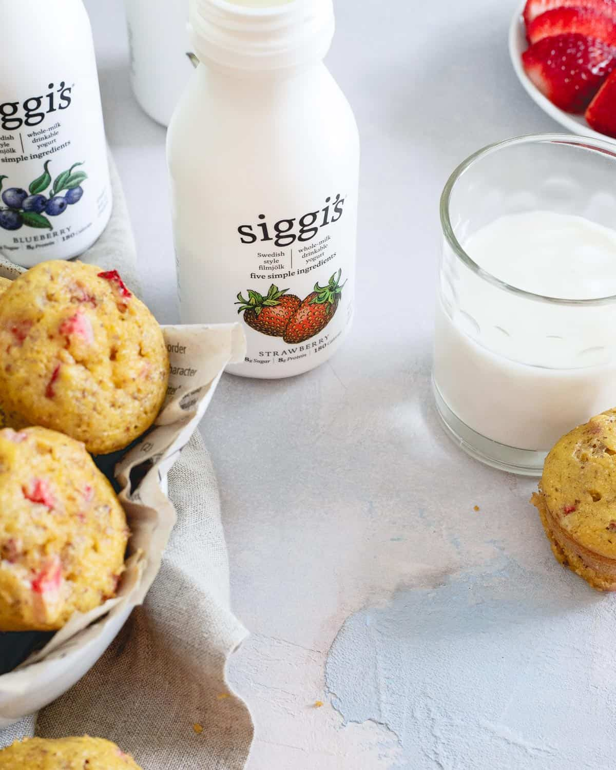 When you need a healthy breakfast on the go and have little time to prep, these siggi's whole milk drinkable yogurt varieties are a great option!