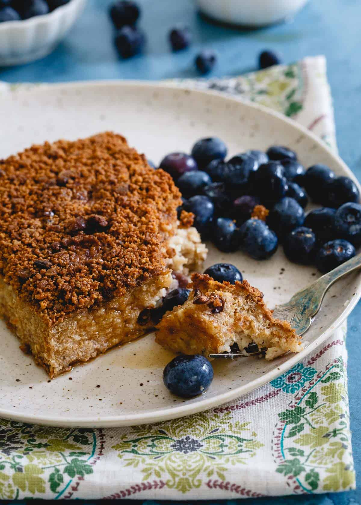 A warm and cozy plant based breakfast, this oatmeal breakfast pie is a morning favorite!