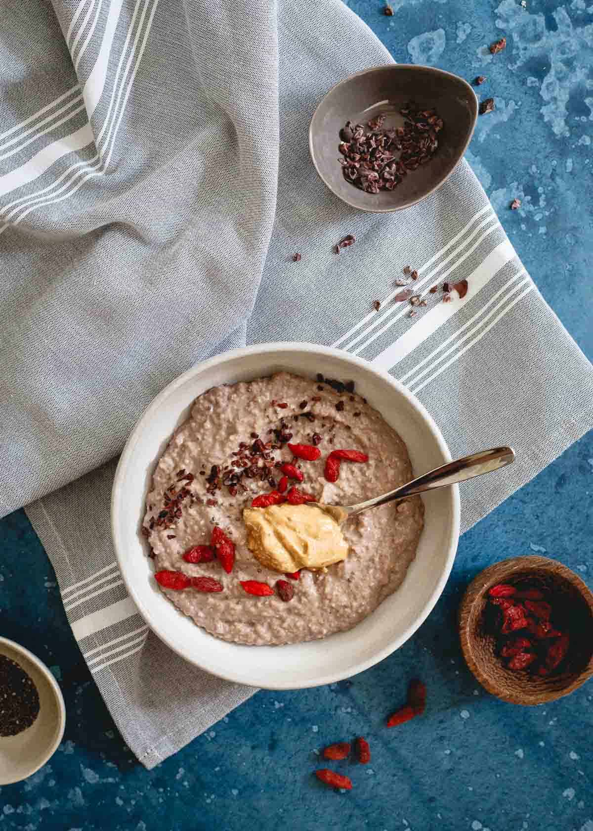 Refuel after your workout with this easy bowl of chocolate protein oat bran.