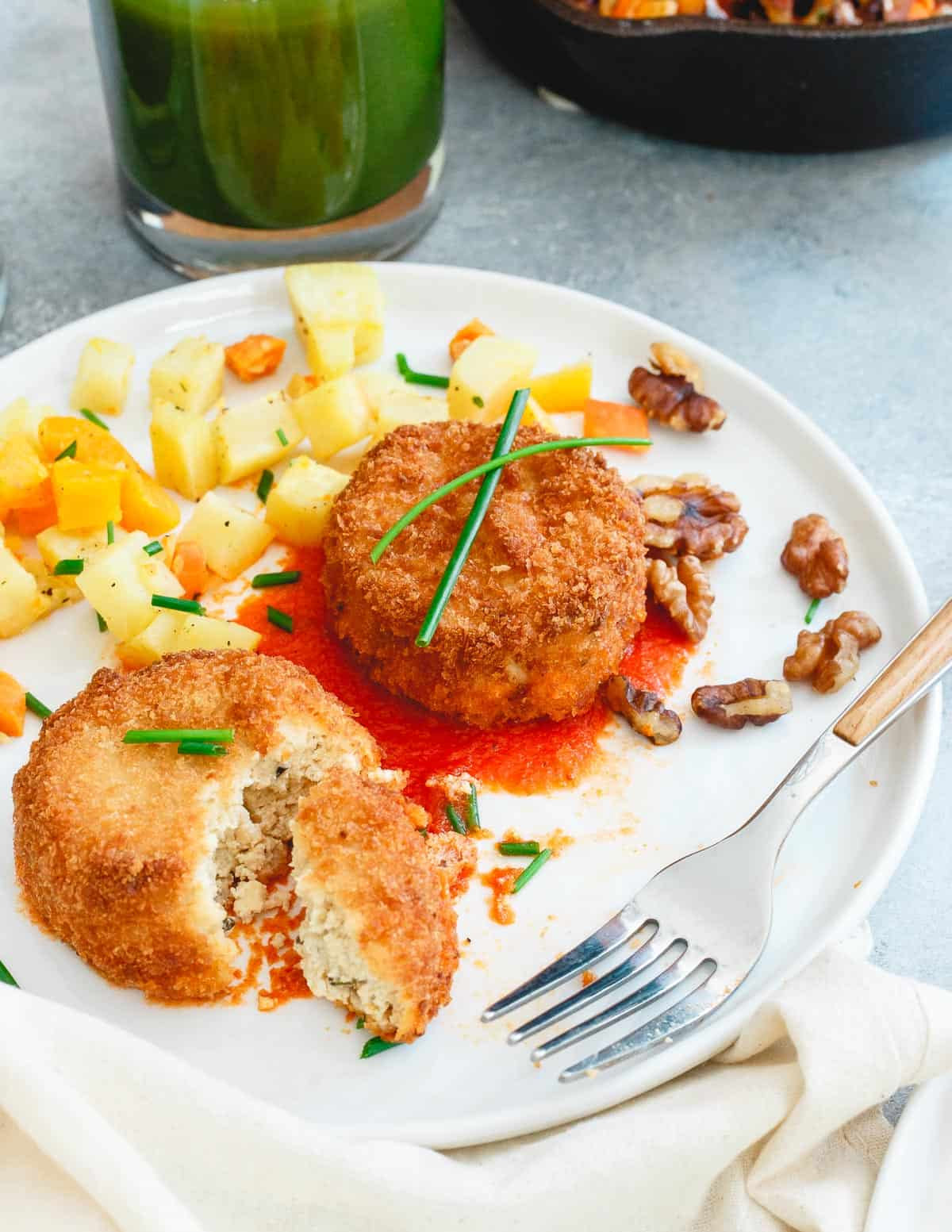 Veestro's savory croquettes are the perfect balance of crispy on the outside and a moist tofu, potato, squash inside. A fun plant based alternative to your typical breakfast.