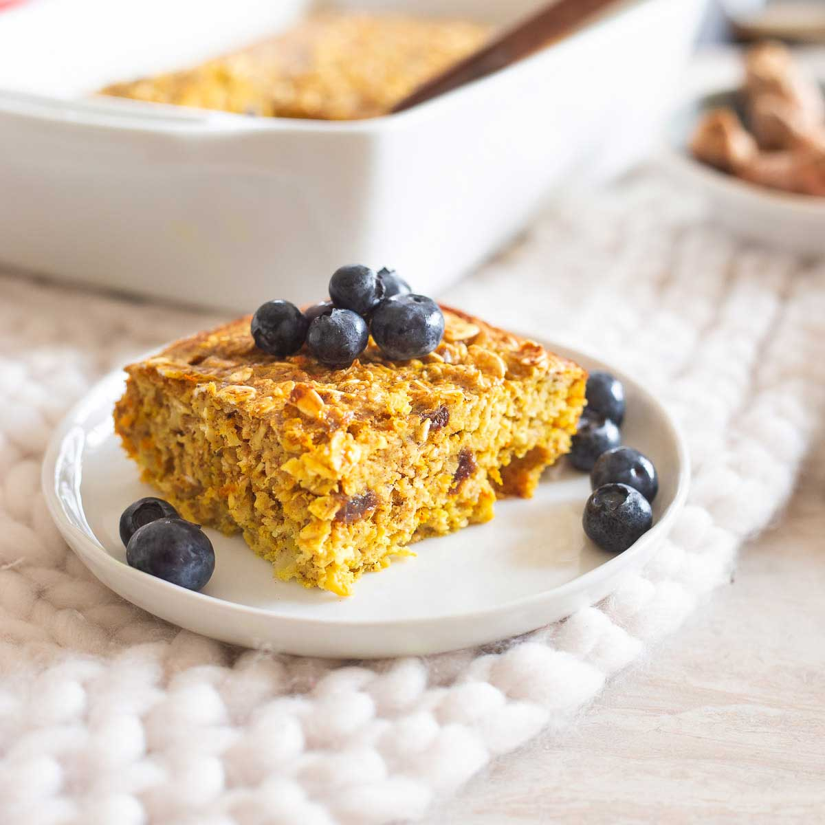 Try this turmeric baked oatmeal for an easy make-ahead breakfast packed with nutritious and hearty oats and fresh turmeric.