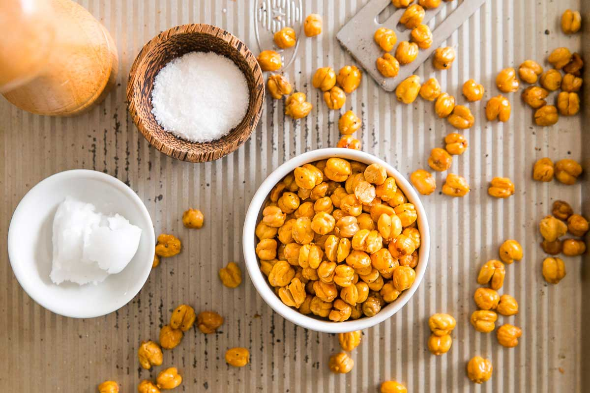Use this simple tutorial and recipe to learn how to roast chickpeas and get them perfectly crispy and crunchy every time!