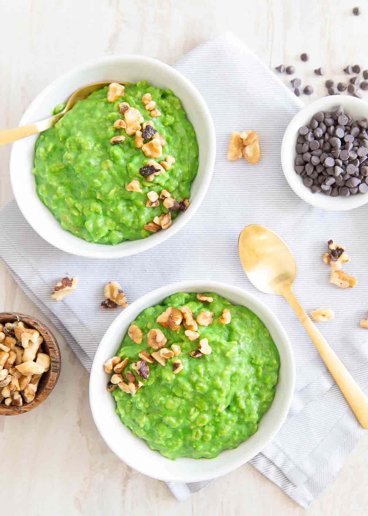 This spinach oatmeal recipe is healthy, delicious and a fun way to celebrate St. Patrick's Day with all real-food, natural ingredients.
