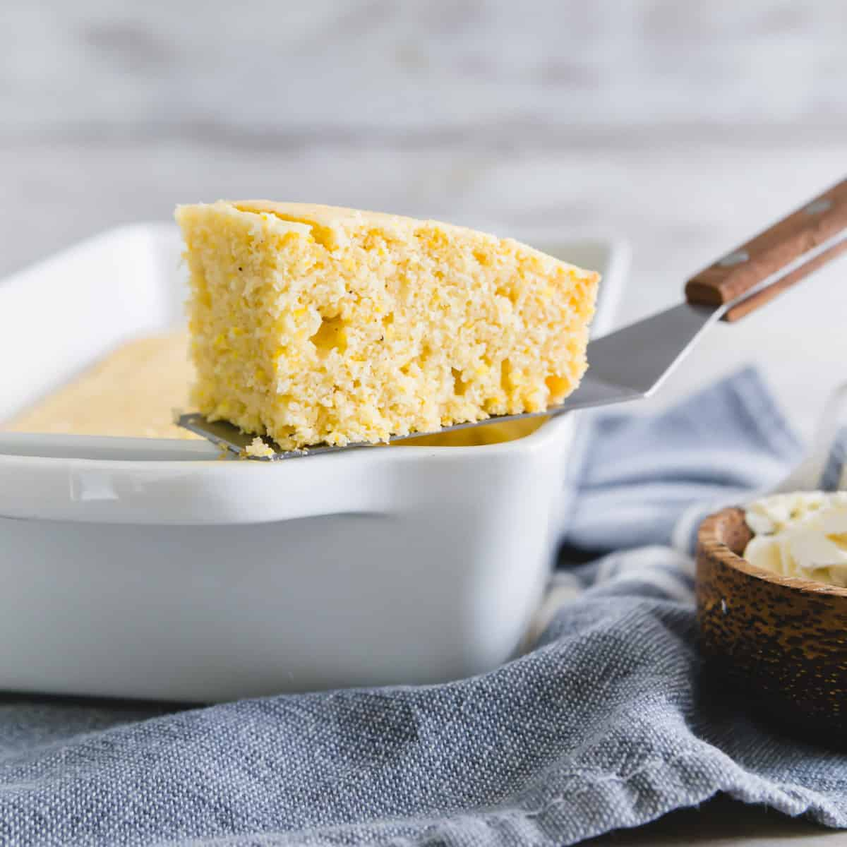 easy vegan cornbread recipe that's moist, tender and perfectly textured.