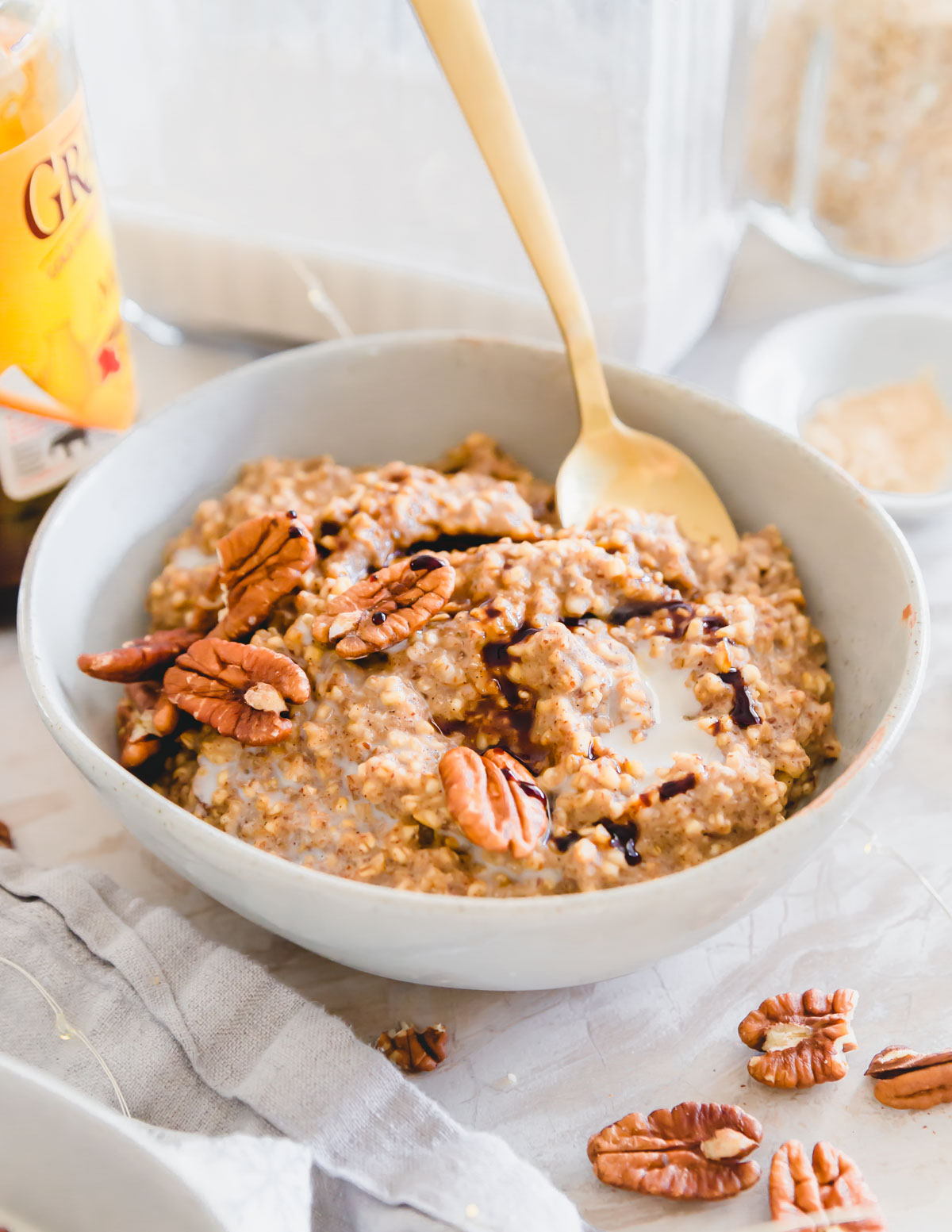 Gluten-free and vegan gingerbread oats made on the stove top in just 15 minutes.