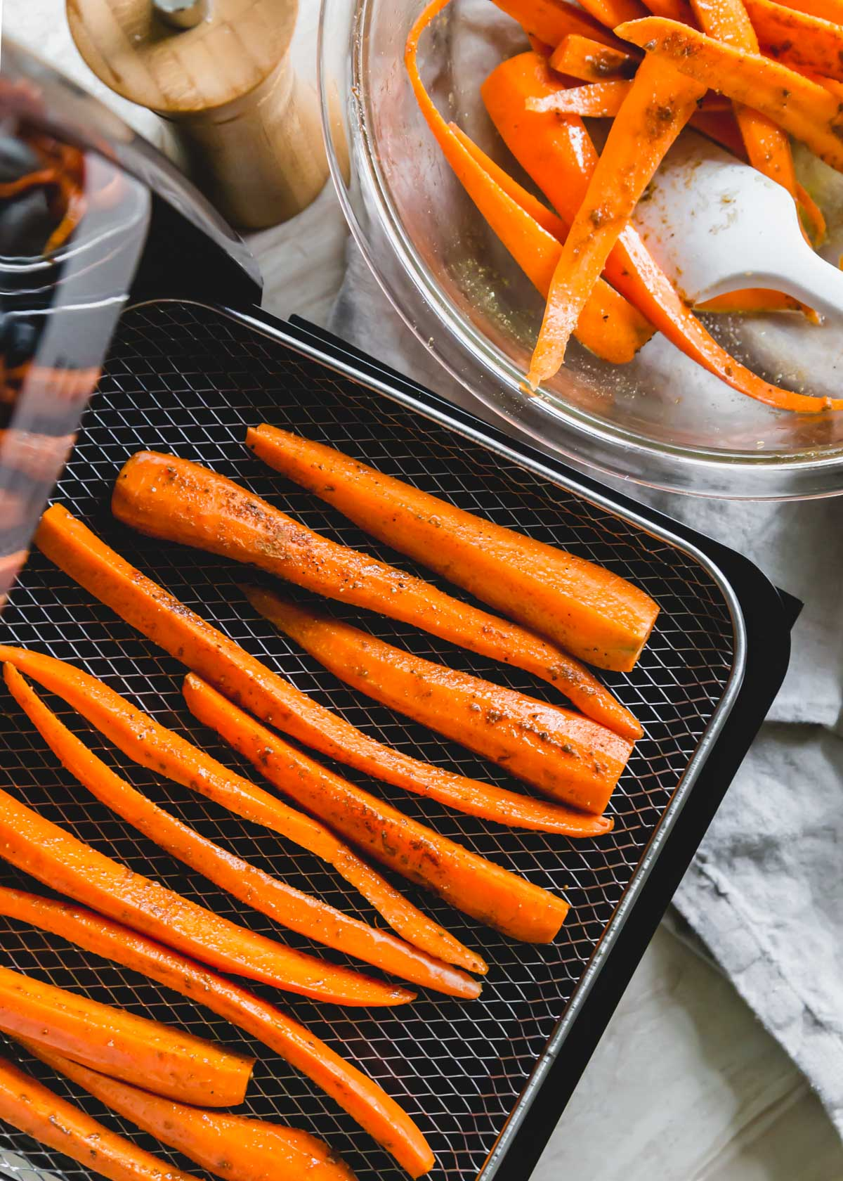 Making carrots in the air fryer is simple no matter which model you have. A quick 20 minutes at 400 degrees gives you tender carrots with crispy golden edges.
